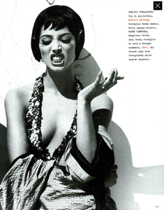 Meisel_Vogue_Italia_December_1989_06.thumb.png.9c70dd7abaf85ae76a928d447085e2ad.png