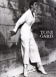 Nadja-Auermann-ToniGard-1994-01.thumb.jpg.22c795b20e87e6da8aae122e57b7359f.jpg