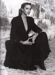 Nadja-Auermann-ToniGard-1994-05.thumb.jpg.81c8ffaf2f629763044064f412077f10.jpg