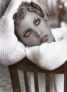 Nadja-Auermann-ToniGard-1994-06.thumb.jpg.e000f34b6b811b6d615eec1e52373ef4.jpg