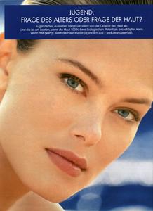 Renee-Simonsen-Biotherm-1994.thumb.jpg.9065eaad19c45f0cbf35caf17f816ada.jpg