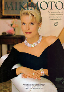 Vendela-Kirsebom-Mikimoto-1994-ph.James-Phillips-01.thumb.jpg.e16b8a98a0c602f99439082321da668e.jpg