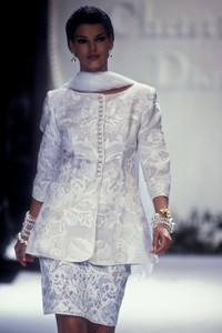 christian-dior-hc-ss-1992-6.thumb.JPEG.bed0361d9f40246bdc52fa6657be73a8.JPEG