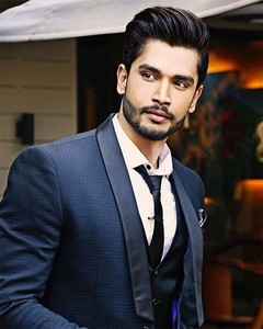 things-you-didnt-know-about-rohit-khandelwal-652x400-7-1469698587.jpg