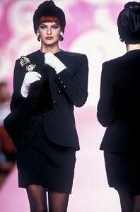 valentino-hc-fw-1991-3.thumb.JPEG.b74bb9351d75fd49af3a6ecce93a79f3.JPEG