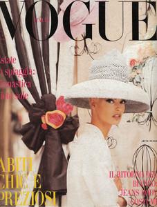 VOGUE Italia04 1991.jpg