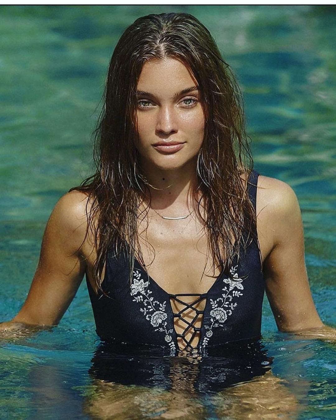 Nicole Volfova 42.jpg