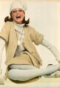 Avedon_Vogue_US_September_1st_1972_01.thumb.jpg.e0eb4ab2e617f5e1e2284f43e9e4bc7a.jpg
