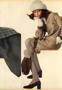 Avedon_Vogue_US_September_1st_1972_08.thumb.jpg.b03d4420faa9a865aed433f8951095da.jpg