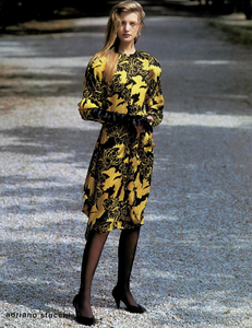 Demarchelier_Versace_Fall_Winter_86_87_03.thumb.png.3f650f26e97328ac282dbfdc9e16c738.png