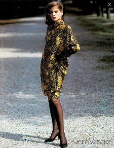 Demarchelier_Versace_Fall_Winter_86_87_04.thumb.png.1bd0c65974d77ad060553306c1cd34ca.png