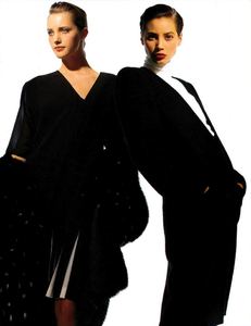 Demarchelier_Vogue_Italia_September_1986_Speciale_07.thumb.png.08d618bf71b2297ec221dac6e7e78b36.png