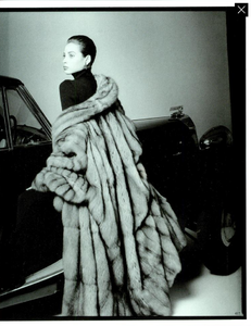 Demarchelier_Vogue_Italia_September_1986_Speciale_10.thumb.png.0d56efb43b0ee8b29eb7f521ab2caa77.png