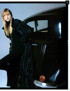 Demarchelier_Vogue_Italia_September_1986_Speciale_14.thumb.png.fbf14a69d20721bfc78aefdf40861db2.png