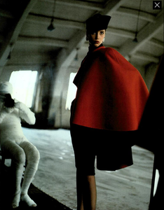 Demarchelier_Vogue_Italia_September_1986_Speciale_20.thumb.png.20cce9ce73d4f3440ba12234cfa15f20.png