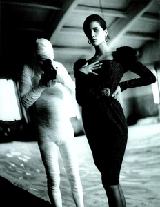 Demarchelier_Vogue_Italia_September_1986_Speciale_21.thumb.png.4b9784739aaba7aeb6143fa55a02c6c0.png
