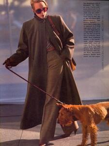 Elgort_Vogue_US_September_1982_06.thumb.jpg.63435a53516338b0b7dab580db62a48c.jpg