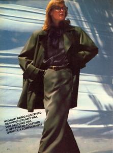 Elgort_Vogue_US_September_1982_09.thumb.jpg.5013ccb470538a44df6e66529f99d9c0.jpg