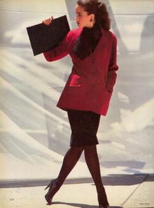 Elgort_Vogue_US_September_1982_11.thumb.jpg.f1e490f73235ad94173efce02dc81451.jpg