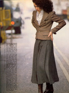 Elgort_Vogue_US_September_1982_15.thumb.jpg.535f3299755d74411103724ed19a05b9.jpg