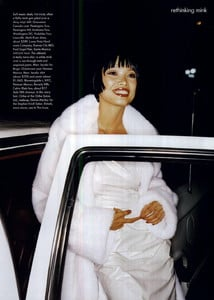 Hanson_Vogue_US_November_1994_06.thumb.jpg.b22cc07296802f9f88edd29db82de31c.jpg