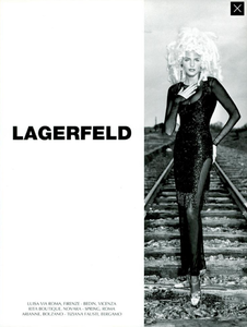 Karl_Lagerfeld_Fall_Winter_94_95_02.thumb.png.d05298d9f66a97cc78570478b8892379.png