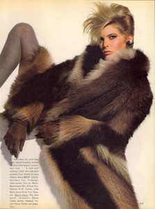 Penn_Vogue_US_November_1982_02.thumb.jpg.db76de7b7f7141447b7c0aa47b578bf4.jpg