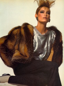 Penn_Vogue_US_November_1982_08.thumb.jpg.fea9335a30417351aed9e743f732f499.jpg