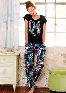 buffalo-floral-print-pyjamas_238923FRSL.jpg