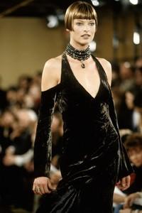 donna-karan-fw-1993.thumb.jpg.21db5ba14ed2011a7582b8debbe78596.jpg