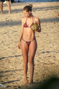 doutzen-kroes-in-bikini-bahia-beach-in-brazil-3.jpg