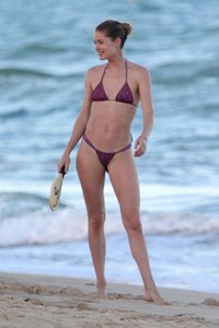 doutzen-kroes-in-bikini-bahia-beach-in-brazil-6.jpg
