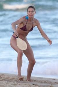 doutzen-kroes-in-bikini-bahia-beach-in-brazil-7.jpg