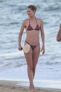 doutzen-kroes-in-bikini-bahia-beach-in-brazil-8.jpg