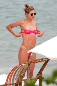 doutzen-kroes-in-bikini-enjoys-beach-day-in-bahia-8.jpg