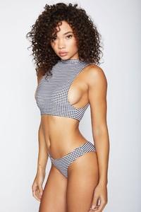 frankies-bikinis-harley-gingham-front-2_ec31088b-e701-4d8f-aa6a-1ad90fac933b.jpg