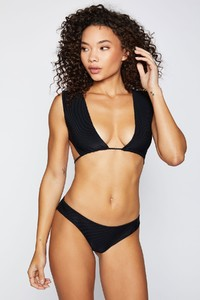 frankies-bikinis-shea-rib-black-front_0aa1a7e2-21e3-4bd0-8431-5ace0a9a1de8.jpg