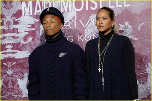 kaia-gerber-and-pharrell-williams-are-chanel-chic-in-hong-kong-02.jpg