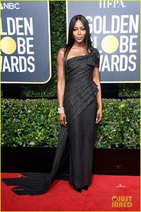 naomi-campbell-common-golden-globes-2018-05.jpg