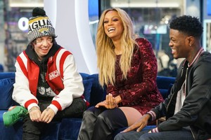 tyra-banks-appeared-on-mtv-trl-in-new-york-4.jpg