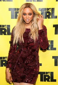 tyra-banks-appeared-on-mtv-trl-in-new-york-5.jpg