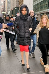 tyra-banks-arriving-at-the-today-show-in-nyc-5.jpg