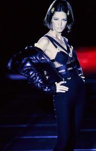 versace-fw-1992-13.thumb.jpg.95593dd23bb7c9018bb98a02d72a8968.jpg
