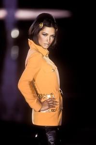 versace-fw-1992-15.thumb.jpg.c2d9b077c22775e8ed79184147015e48.jpg