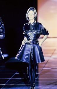 versace-fw-1992-6.thumb.jpg.c87e51e1d43344a028d721ac98631b0f.jpg