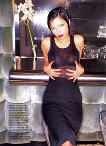 von_Unwerth_Vogue_US_April_1994_02.thumb.jpg.6db76abf2a2715cd307644f1db6b1fd8.jpg