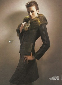 glamour russia febr 2005 9.jpg