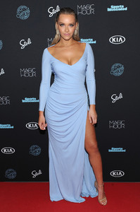 Sports+Illustrated+Swimsuit+2018+Launch+Event+vgakQu9cW9Zx.jpg