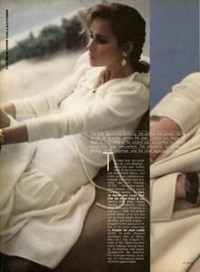 5a928943378de_Vogue-September1980(9-1980)USAJoFranckitheseasonlessadvantage.thumb.jpg.2786cf7f95b121042b51e8b300655014.jpg