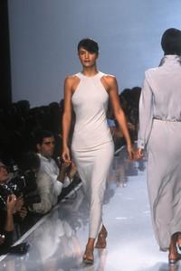 donna-karan-ss-1996-1.thumb.jpg.042d0e1873b972d92532c16e89d4fcad.jpg